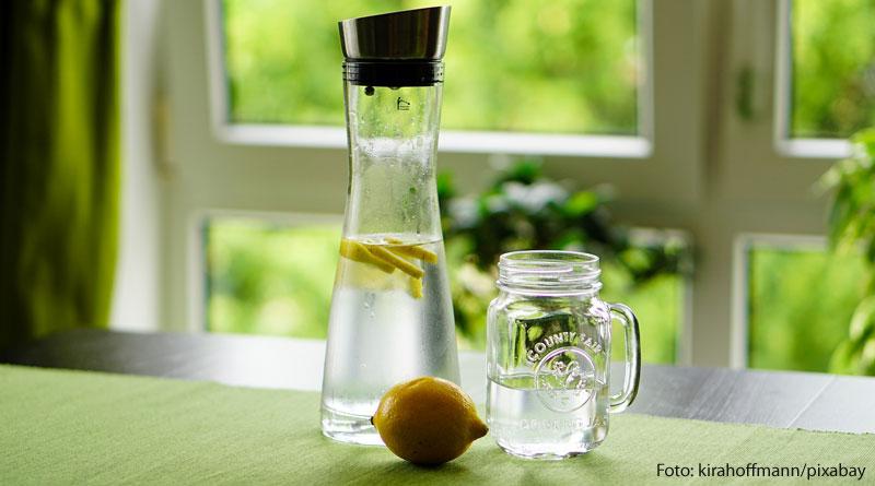 Wasser trinken - Bild zum Beitrag übers Wassertrinken auf tippsundrat.de